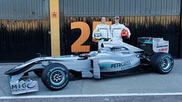 F1 : la vraie Mercedes MGP W01 présentée à Valence