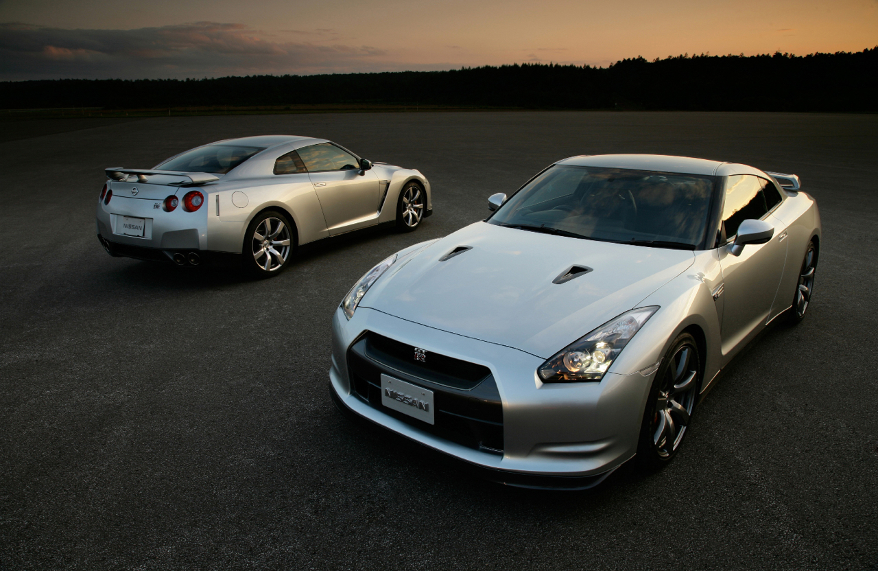 midi pile la nissan gt r a enfin un d faut des pi ces. Black Bedroom Furniture Sets. Home Design Ideas