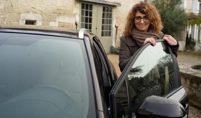 L'auto des voisins - Cathy en Bourgogne et sa Toyota Corolla: le choix d'une voiture à la fois professionnelle et personnelle