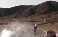 Vidéo: Challenger vs Mustang, 1450 chevaux en piste !