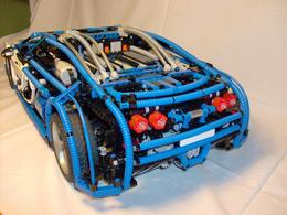 La Bugatti Veyron la moins chère du monde est construite en Legos