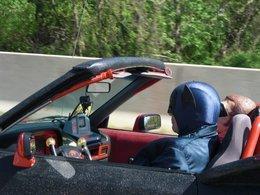 Spyshot : Batman et Robin sont de sortie, leur Batmobile lourdement impactée par la crise