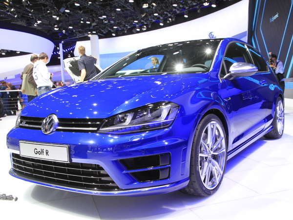 vid o en direct de francfort 2013 volkswagen golf r la s3 du peuple. Black Bedroom Furniture Sets. Home Design Ideas