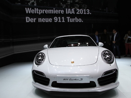 En direct de Francfort 2013 - Porsche 911 Turbo et Turbo S, chère technologie