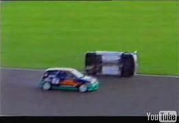 Vidéo : Les risques existent aussi sur circuit...