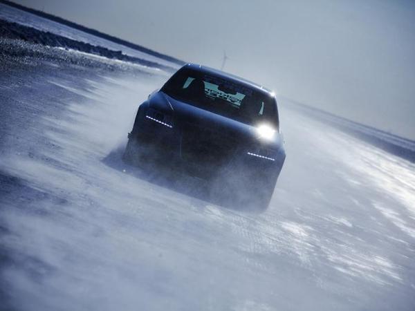 Le record de vitesse sur glace en Audi RS6 chaussée de Nokian en vidéo