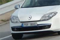 La nouvelle Renault Laguna surprise en action