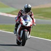 Superbike - Silverstone: Le quatrième doublé de Checa en Grande Bretagne agace la concurrence