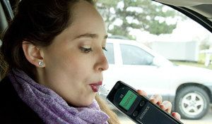 Alcool au volant: l'éthylotest anti-démarrage va être démocratisé