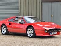 Un seul nom pour deux voitures - Ferrari 308 et Peugeot 308: populaires, mais pas de la même manière
