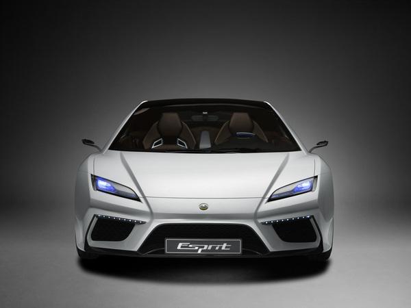 (Minuit chicanes) Le design des futures Lotus Esprit et Elan est trop proche