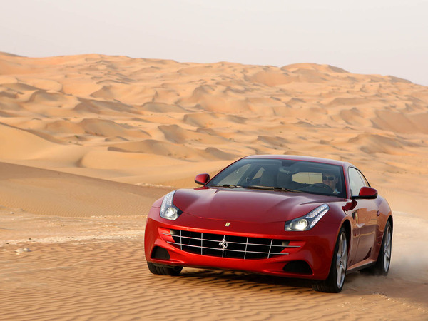 La Ferrari FF chaussée de Michelin Pilot Super Sport