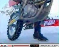 Vidéo moto : 4 Audi, 1 KTM et de la neige