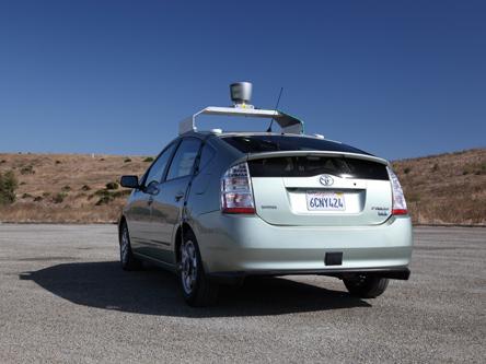 Google à la recherche d'un partenaire automobile pour sa voiture autonome