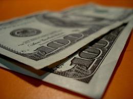 Ford va utiliser des billets de banque usagés pour fabriquer des pièces de voiture