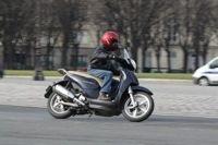 Aprilia : Grille tarifaire scooters et motos 50 cm3 au 1er Juin