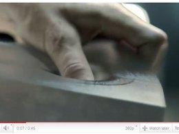 [vidéo pub] Audi A6 : Manipulation, ode à l'alu