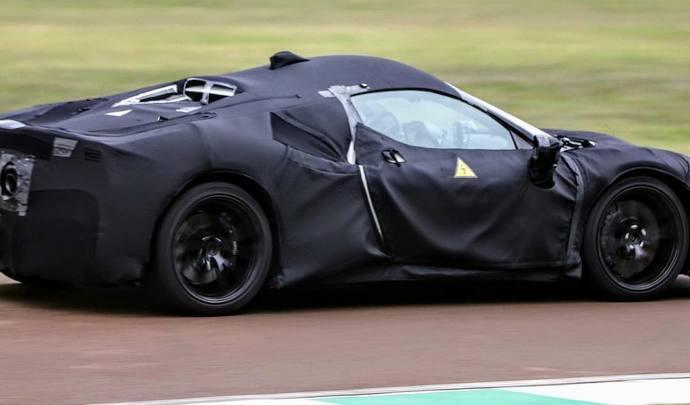 Ferrari dévoilera son nouveau modèle hybride en mai