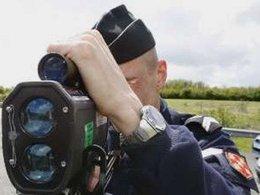 Quand la police critique les limitations de vitesse...