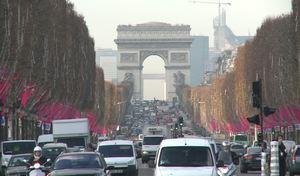 A Paris, la voiture occupe la moitié de l'espace public
