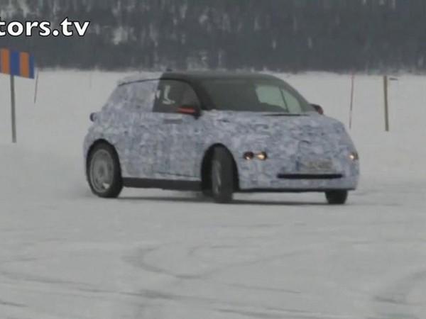 [Vidéo] Les metteurs au point de BMW s'amusent avec la i3 sur la neige