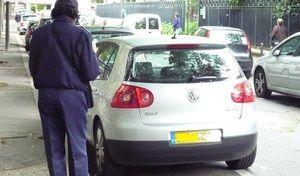 Stationnement à Paris: les gros mensonges d'Anne Hidalgo!