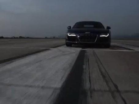 Réveil Auto : une Audi R8 c'est joli, même sans le son du V10