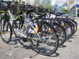 Peugeot Grenoble a adopté un parc locatif de vélos à assistance électrique !