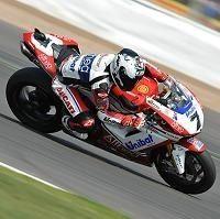 Superbike: On se chauffe entre Max Biaggi et Ducati
