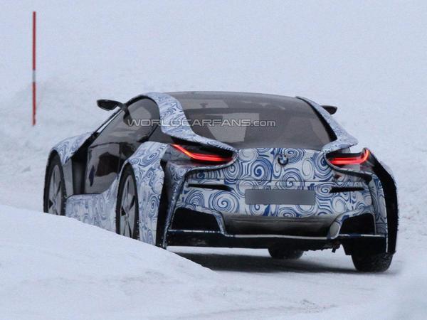 Nouvelle vidéo de la BMW i8, ça glisse aussi