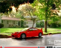 Publicités Toyota Celica :  Looks fast ... and fun