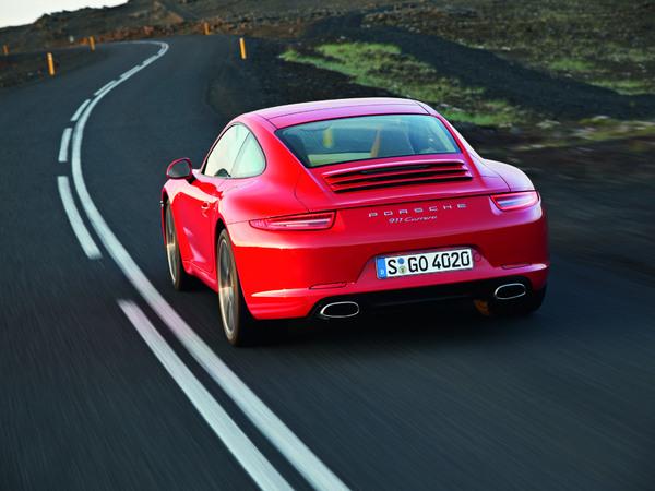 (Minuit chicanes) Il y a la Porsche 911 et il y a... les autres Porsche
