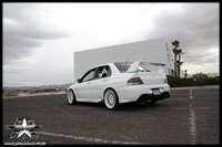 Mitsubishi Lancer Evolution pure white..