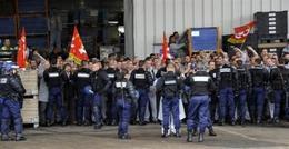 Renault assigne 50 grévistes en justice