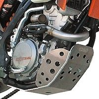 CRD protège la KTM 350 EXC-F: de l'alu pour le sabot.