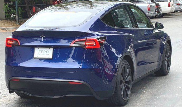 Le Tesla Model Y surpris en plein shooting