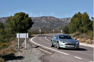 [Vidéo] Aston Martin Rapide, mieux qu'un château en Espagne