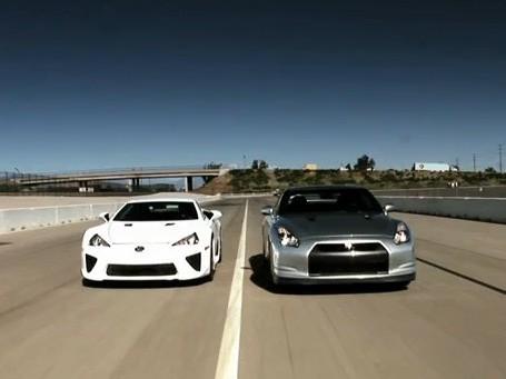 Réveil auto : Lexus LFA contre Nissan GT-R, le monstre hurleur rencontre Godzilla