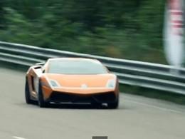 Record mondial : Une Lamborghini en feu à plus 400 km/h (vidéo)