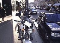 Stationnement moto à Paris : vers une plus grande tolérance