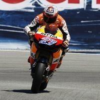 Moto GP - République Tchèque: Casey Stoner sera bientôt papa et peut être au Japon