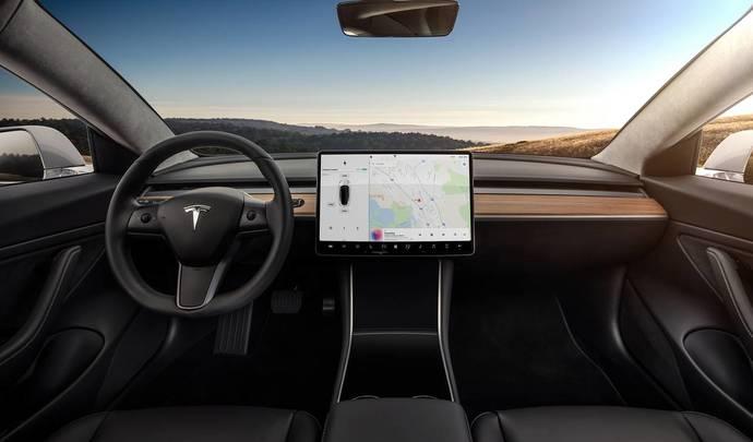 Tesla Model 3 : la voix pour tout commander ou presque
