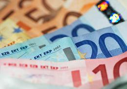 Midi Pile - 2009 : 3,1 milliards de pertes pour Renault, 1,1 milliard pour PSA