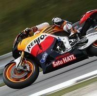 Moto GP - République Tchèque D.2: Stoner sous la pluie malgré une chute