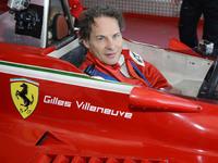 F1 : Ferrari célèbre Gilles Villeneuve en présence de Jacques, son fils.