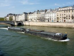 Livraisons : Paris veut diminuer les camions au profit des transports alternatifs