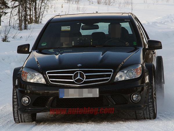 Une Mercedes C63 AMG Black Series en préparation