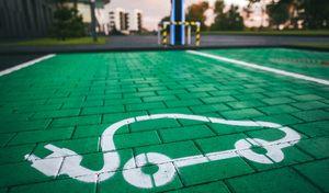 Bientôt des routes et places de parking réservées aux véhicules propres