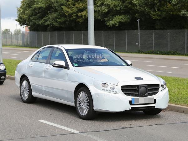 Surprise : la future Mercedes Classe C de plus près