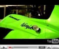 Vidéo moto : Kawasaki 250 R dans les détails